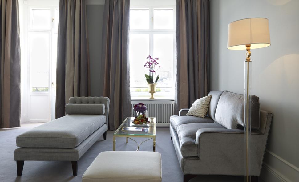 Gardiner Vardagsrum Inspiration : Inred sovrummet med hotellkänsla malin inredare