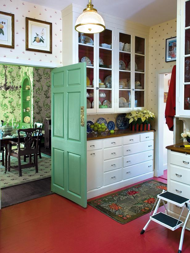 CI-Farrow-And-Ball-The-Art-of-Color-pg201_butlers-pantry-red-floor_3x4_lg