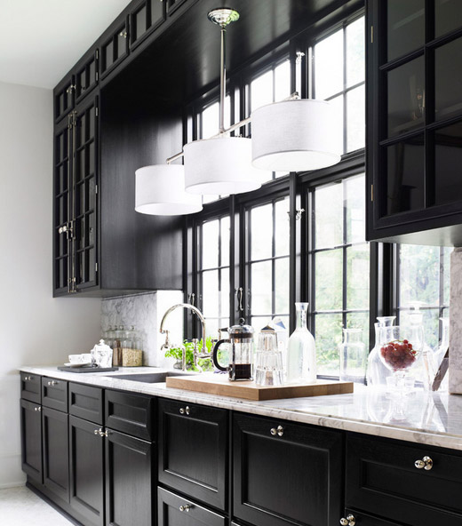 Day-Birger-et-Mikkelsen-kitchen-black-cabinets-marble-countertop-Lonny-Dec-2012